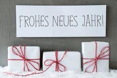 在雪, Neues Jahr的白色礼物意味新年 免版税库存图片