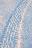 在雪01的轮胎轨道 库存照片