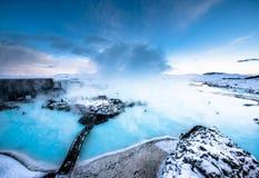 在雷克雅未克,冰岛附近的著名蓝色盐水湖 免版税库存照片