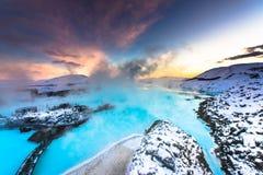 在雷克雅未克,冰岛附近的著名蓝色盐水湖 库存照片