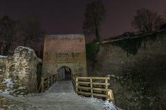 在雷根斯堡,德国附近入城堡废墟多瑙斯陶夫门和吊桥  免版税库存图片
