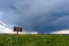 在雷水池全国草原的雷暴,怀俄明 库存图片