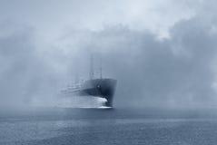 在雾的船 图库摄影