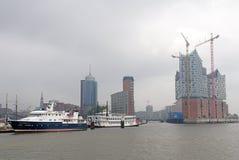 在雾的Hafencity汉堡 免版税库存照片