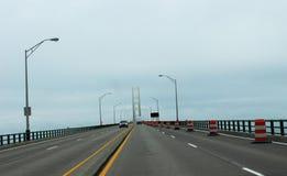在雾的Mackinaw桥梁 库存图片