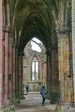 在霍利鲁德修道院,爱丁堡,苏格兰的拱式扶垛 免版税库存照片