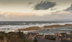 在非常大浪的Lossiemouth。 免版税库存照片