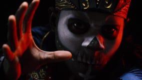 在非洲僧人的图头骨 股票录像