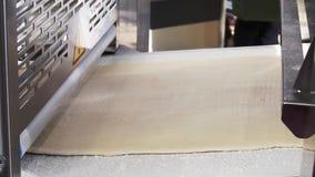 在面包店产业的揉的面团机器 影视素材