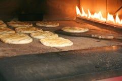 在面包店的烤箱壁炉里面 免版税库存照片