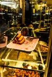 在面包点心店的陈列室-土耳其的土耳其点心 库存图片