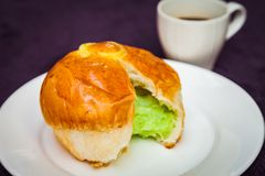 在面包的Pandan乳蛋糕 库存图片
