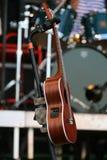 经典之作六在音乐会的串吉他 免版税库存图片
