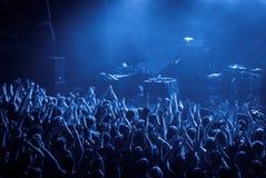 在音乐会期间的人群 图库摄影