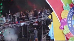 在音乐会的操作员起重机 影视素材