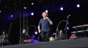 在音乐会的米克hucknall在唐卡斯特 免版税图库摄影