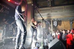 在音乐会的赤裸带在Primavera俱乐部2015年节日 免版税图库摄影