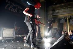 在音乐会的赤裸带在Primavera俱乐部2015年节日 图库摄影