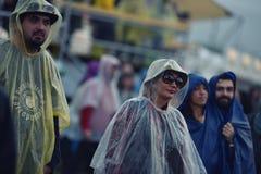 在音乐节的雨天 免版税图库摄影