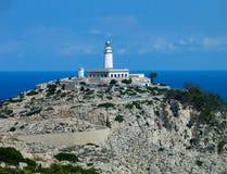在顶面问题的灯塔的海角Formentor,马略卡 免版税图库摄影