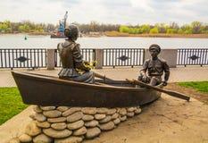 在顿河的堤防的雕塑在罗斯托夫On唐 免版税库存照片