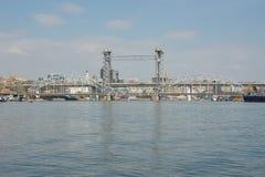 在顿河的平衡装置铁路桥在顿河畔罗斯托夫 免版税库存图片