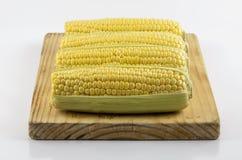 在预习功课板02的玉米 免版税库存照片