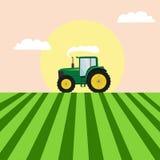 在领域图象的拖拉机 免版税库存照片