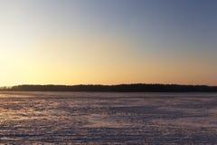 在领域的冬天风景 库存图片