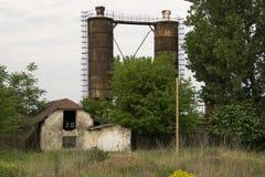 在领域的废墟 免版税库存图片