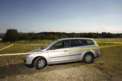 在领域的被放弃的汽车由罪犯 图库摄影