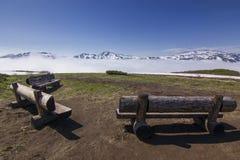 在领域的长凳在堪察加上火山日出的 免版税图库摄影