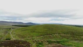 在领域的飞行在苏格兰高地 影视素材