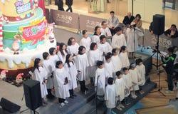 在领域购物中心香港的圣诞前夕caroling的事件 免版税库存照片
