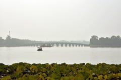 在颐和园的桥梁在中国 库存图片