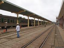 在颜色城市的铁路 免版税库存图片
