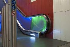 在颜色的移动的自动扶梯 库存照片