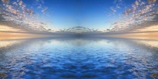 在风平浪静水域反映的美好的syk 库存图片