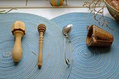 在风景的茶器物 免版税图库摄影