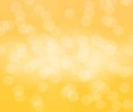 在风景的黄色bokeh背景 免版税库存照片
