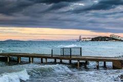 在风暴以后的日落在马尔马拉海土耳其 免版税库存照片