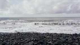 在风暴以后的灰色海 股票录像