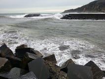 在风暴前的海 库存图片