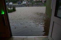 在风暴和大雨以后的洪水 图库摄影