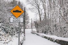 在风暴埃玛期间, Ramps交通标志,亦称从东方的野兽 库存图片