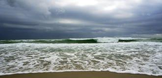 在风暴的大西洋 免版税库存图片