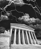 在风暴的美国Supriem法院 免版税库存照片