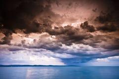 在风暴的balaton湖 图库摄影
