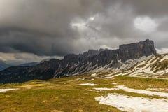 在风暴,意大利前的Passo Giau 免版税库存照片