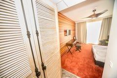 在风格化屋子里在保加利亚语的Kranevo一家五星旅馆里 免版税库存照片
